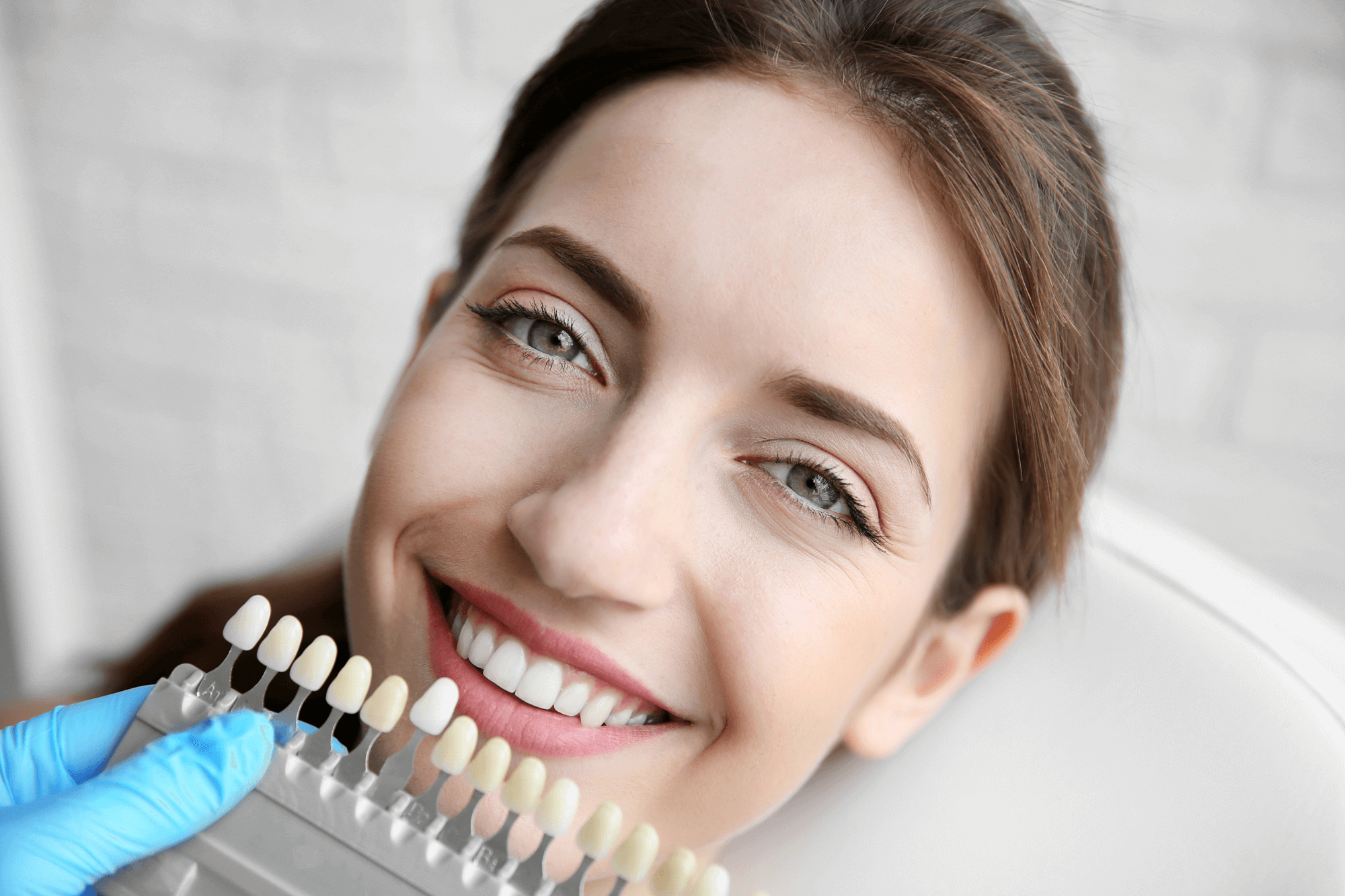 Ceramic implants: Healthy and aesthetic in a natural way